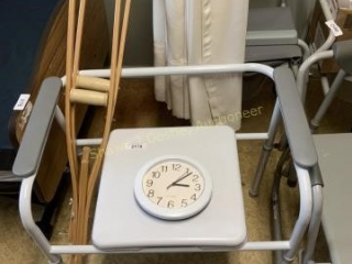 Portable toilet clock in crutches location room