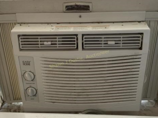 Easy home window air-conditioning unit location