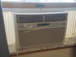 Frigidaire window air conditioning unit location