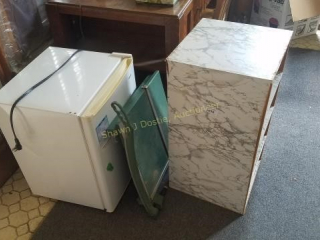 Shelving unit apartment size refrigerator and