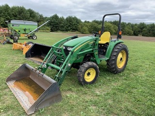 John Deere 4520 Diesel Tractor w/400X loader