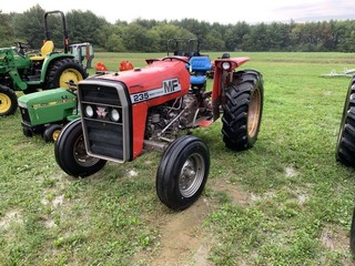 Massey Ferguson 235 Tractor