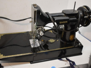 Singer Featherlight Sewing Machine with Case