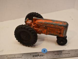 1/16 Scale Hubley Jr. Kiddie Toy Metal Tractor