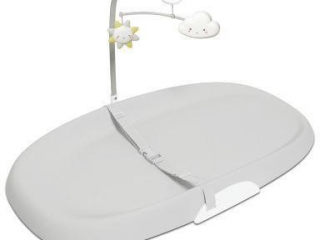 NURSERY STYLE WIPE-CLEAN CHANGING PAD