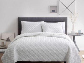 VCNY NINA 3 PIECE EMBOSSED QUILT SET KING