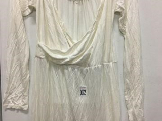 WOMENS LONG WHITE DRESS SIZE XL