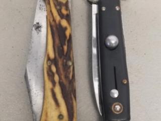 2 Folding vintage switchblade knives