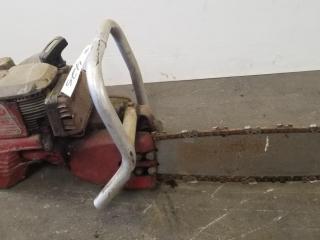 Mall Model OMG Chainsaw