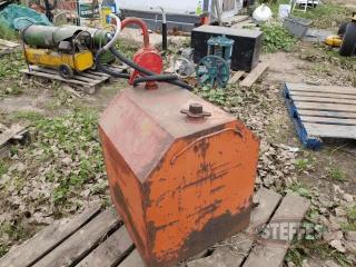 Fuel-tank--approx--70-gal---w-hand-pump-_1.jpg