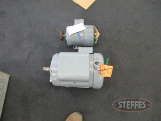 (1) Lindsay motor, 2 hp., single phase_1.JPG