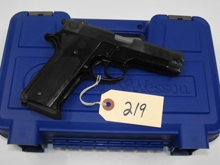 (R) Smith & Wesson 59 9mm Pistol