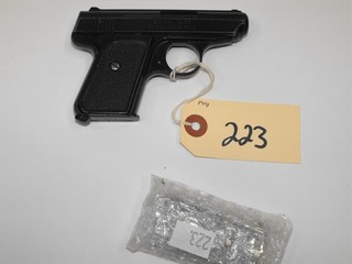 (R) Jennings J-22 22 LR Pistol.