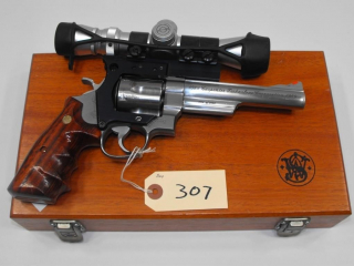 (R) Smith & Wesson 629-3 44 Mag Revolver
