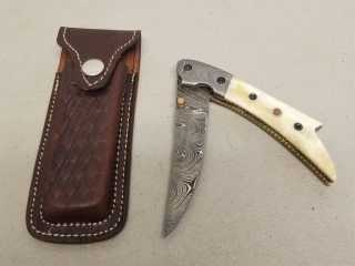 HANDMADE DAMASCUS FOLDING KNIFE.