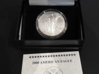 2000 American Eagle Silver dollar in case