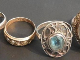 (4) Ladies silver and silver plated rings
