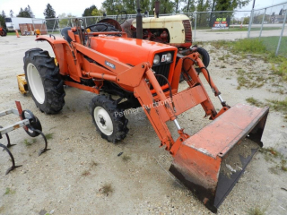 Allis Chalmers Compact Tractor