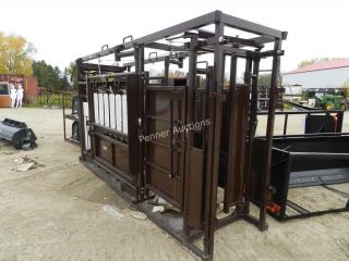Deluxe Cattle Squeeze Chute w/ Preg Check
