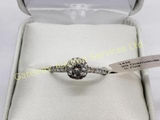 14K  Diamond (0.4ct) Side Diamond (.3ct) Ring
