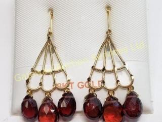 18K  Garnet(6ct) Earrings