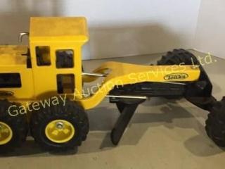 Metal Tonka Toy Tractor