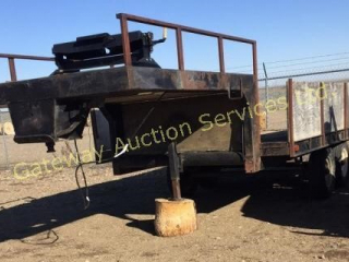 Goose Neck Trailer with a Fifth Wheel Hitch