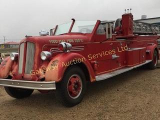 1949 Ladder Fire Truck