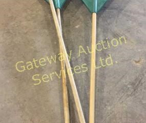 3 Leaf Rakes with Flexible Tines