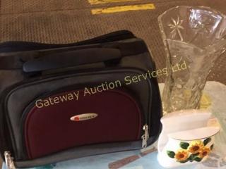Travel Bag, Vase and Napkin Holder