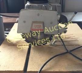 DeWalt 740 10 inch power shop saw comes on a