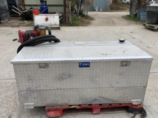 USW Checker Platted 100 gal. Fuel Tank w/Tool