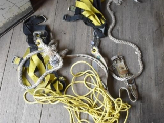 2 Sets of Roofing Harness and Rope *ST