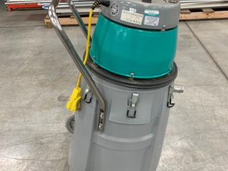 SERVICE MASTER COMMERCIAL VACCUM