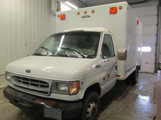 2002 FORD E450 CUBEVAN