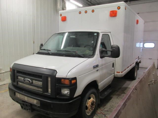 2010 FORD E450 CUBEVAN