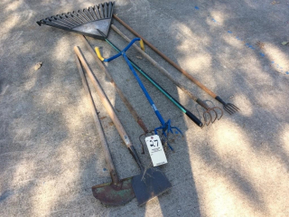 7 LANDSCAPING TOOLS