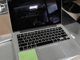 Apple Mac Book Pro, model A1501,