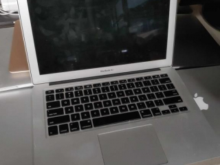 Apple Mac Book Air, model A1466,