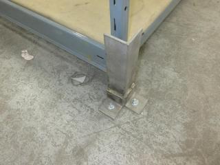 Metal Shelf UNRESERVED