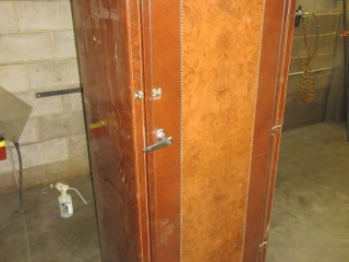 Metal Cabinet  UNRESERVED