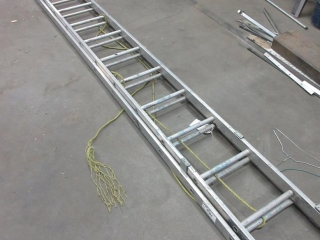 Aluminum Extension Ladder  UNRESERVED