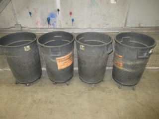 4 Garbage Cans On Wheels (Must Take 4 Times The Bid Price) UNRESERVED