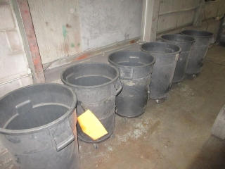 6 Garbage Cans On Wheels (Must Take 6 Times The Bid Price) UNRESERVED