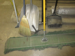 Misc. Brooms, Mop And Shovel  UNRESERVED