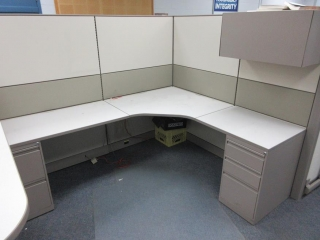4 Office Cubicles UNRESERVED