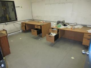 Office Desk UNRESERVED