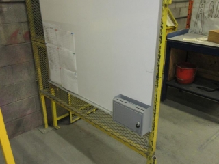 Metal Protection Work Station And Bench UNRESERVED