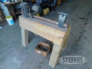Wood-electric-turning-lathe-w-tooling_1.jpg