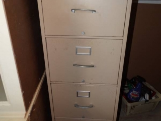 4 drawer metal file cabinet.